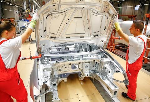 A magyar autóipar termelési értéke egy éven belül elérheti a 10 000 milliárd forintot