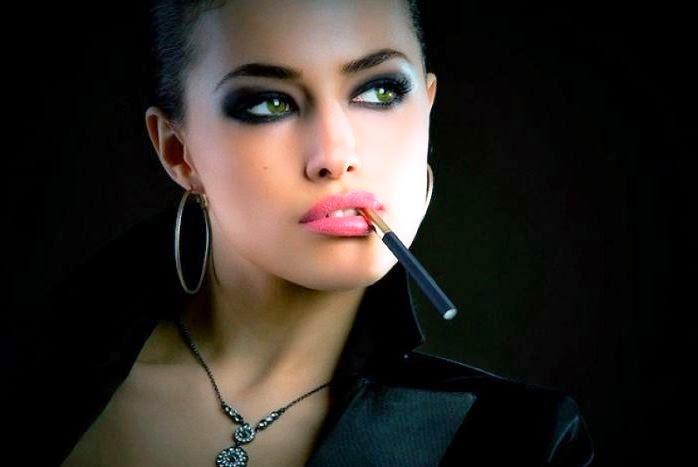Видео курящая девушка хочет секса