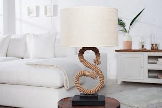 Lampa Knot Es. Stolová lampa.