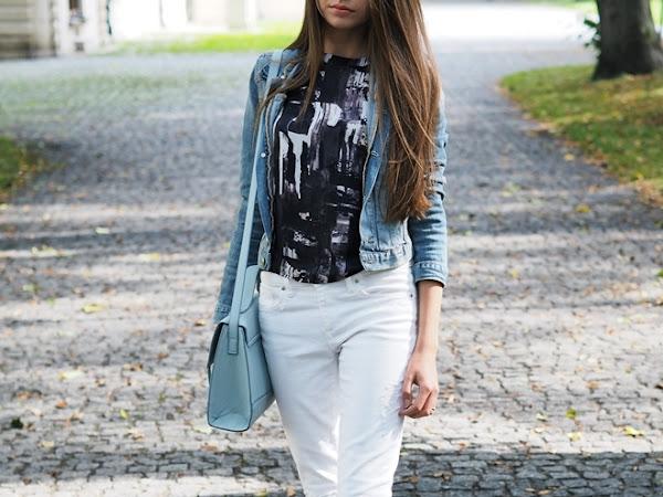 127. Stylizacja z białymi spodniami. Jak to jest z robieniem zdjęć stylizacji w plenerze?