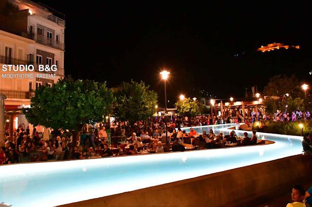 """Σε εορταστικό κλίμα η """"Λευκή Νύχτα"""" στο Άργος"""