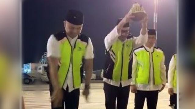 Buntut Ritual 'Pecah Kendi', Fahri  Minta Garuda Fokus Perbaikan Pelayanan Jamaah Haji