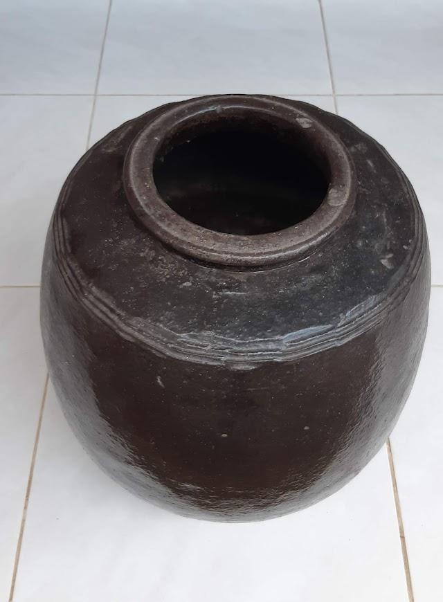 [Dijual] Barang antik, gentong logam (usia sekitar 100-an tahun)