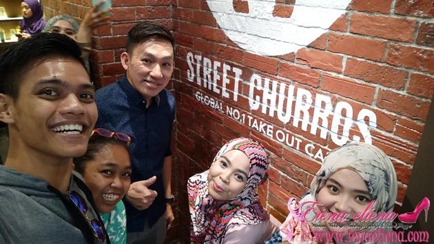 Wefie bersama rakan blogger dan pemilik Street Churros iaitu Dato Joe Tan