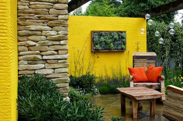 Colores para las paredes del patio o la terraza guia de - Color ocre en paredes ...