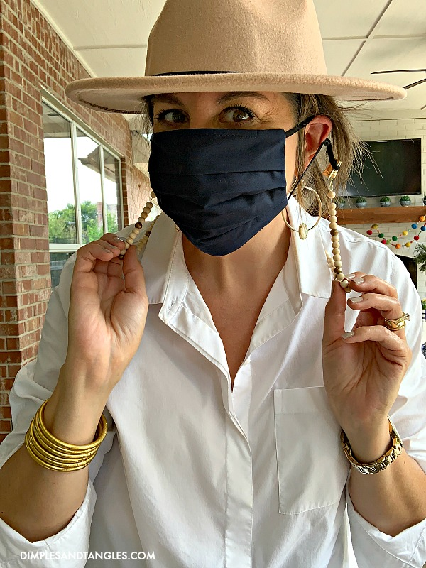 How to make a mask neck chain from a long necklace