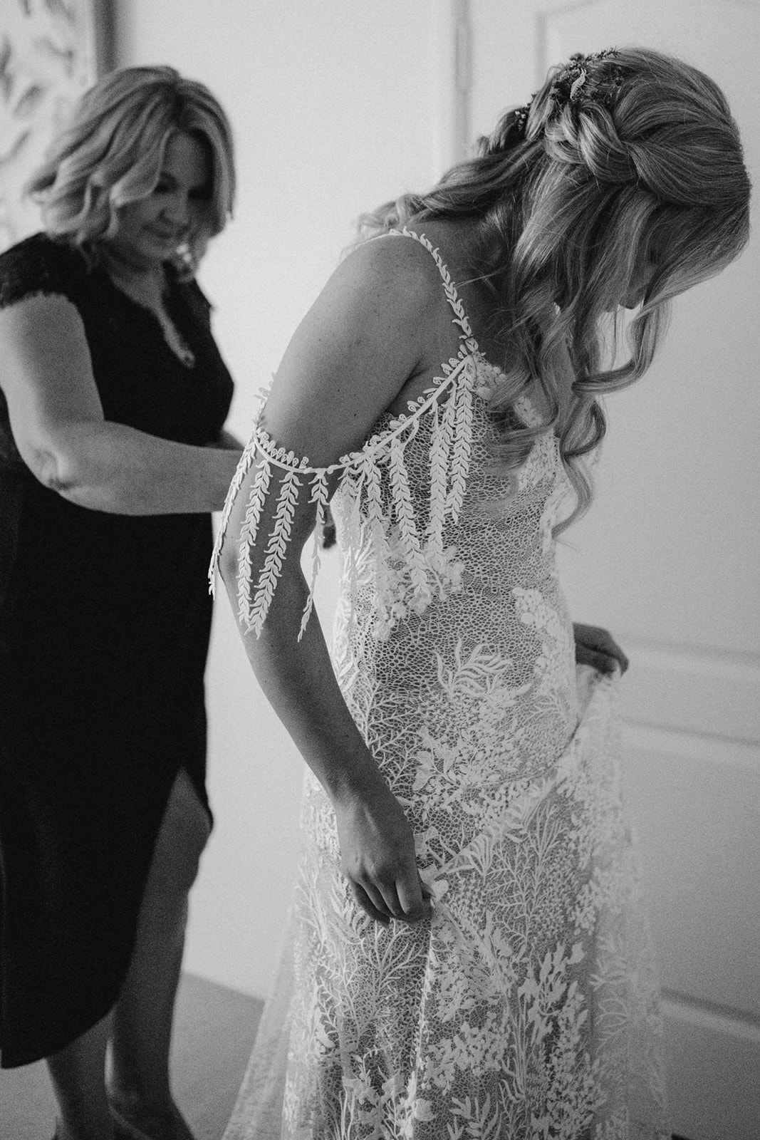 images by kitty loves love weddings perth florals bridal gown grace loves lace country boho styling