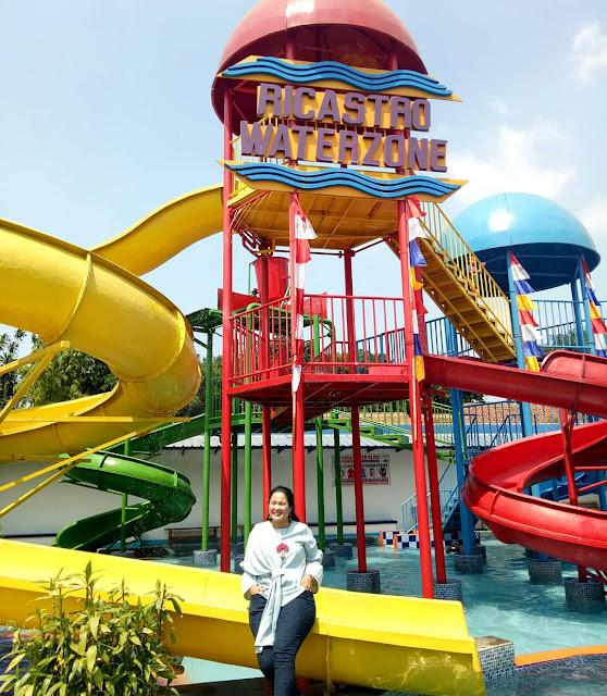 Slide zone yang dilengkapi dengan wahana seluncuran yang memacu adrenalin