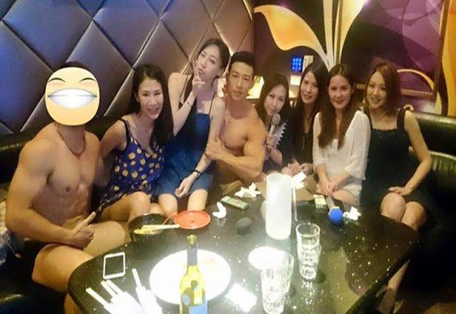 """Clip Cận cảnh đêm """"thác loạn"""" của các quý bà tại karaoke ôm: Nhiều tay vịn """"6 múi"""" vây quanh ở TQ"""