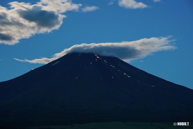 夜明けの富士山~山中湖