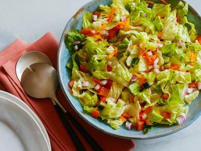 Salad Buah atau Sayur