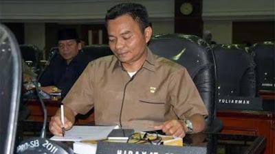 Anggota DPRD Sumbar Pertanyakan Upaya Gubernur Soal Konversi Bank Nagari ke Syariah