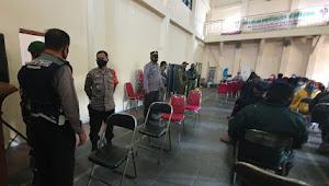 Pendistribusian BST Dipantau Kaplsek Cileunyi Polresta Bandung Ditiap Desa Sekecamatan