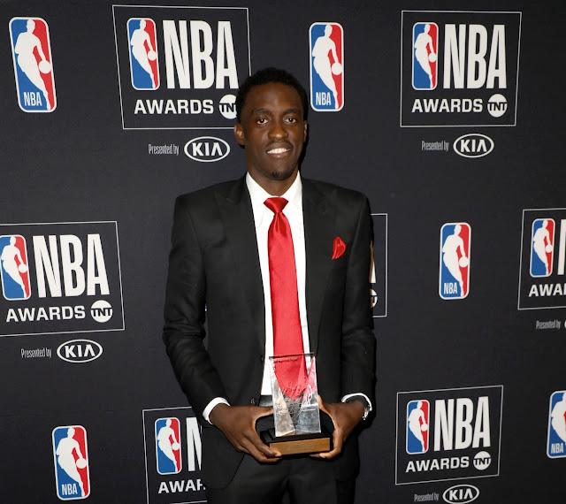 NBA : PASCAL SIAKAM RÉCOMPENSÉ