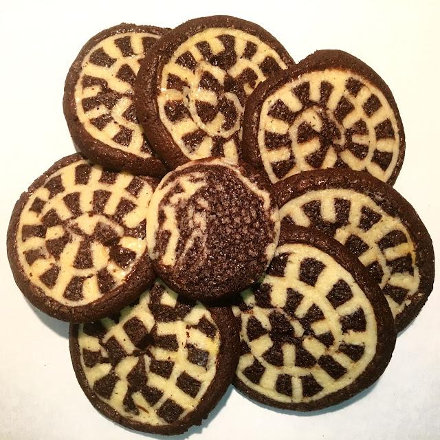 Flower of Vanilla & Chocolate Checkerboard Swirl Shortbread Cookies