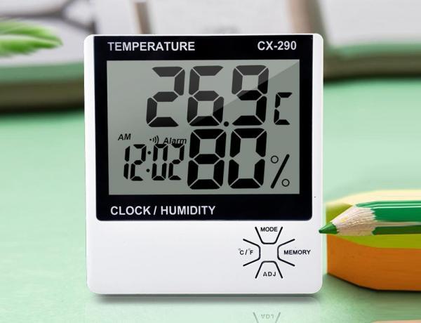 Termometer digital pengukur suhu ruangan