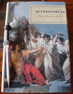 Portada del libro Querido Bruto, de José Ramón Ayllón
