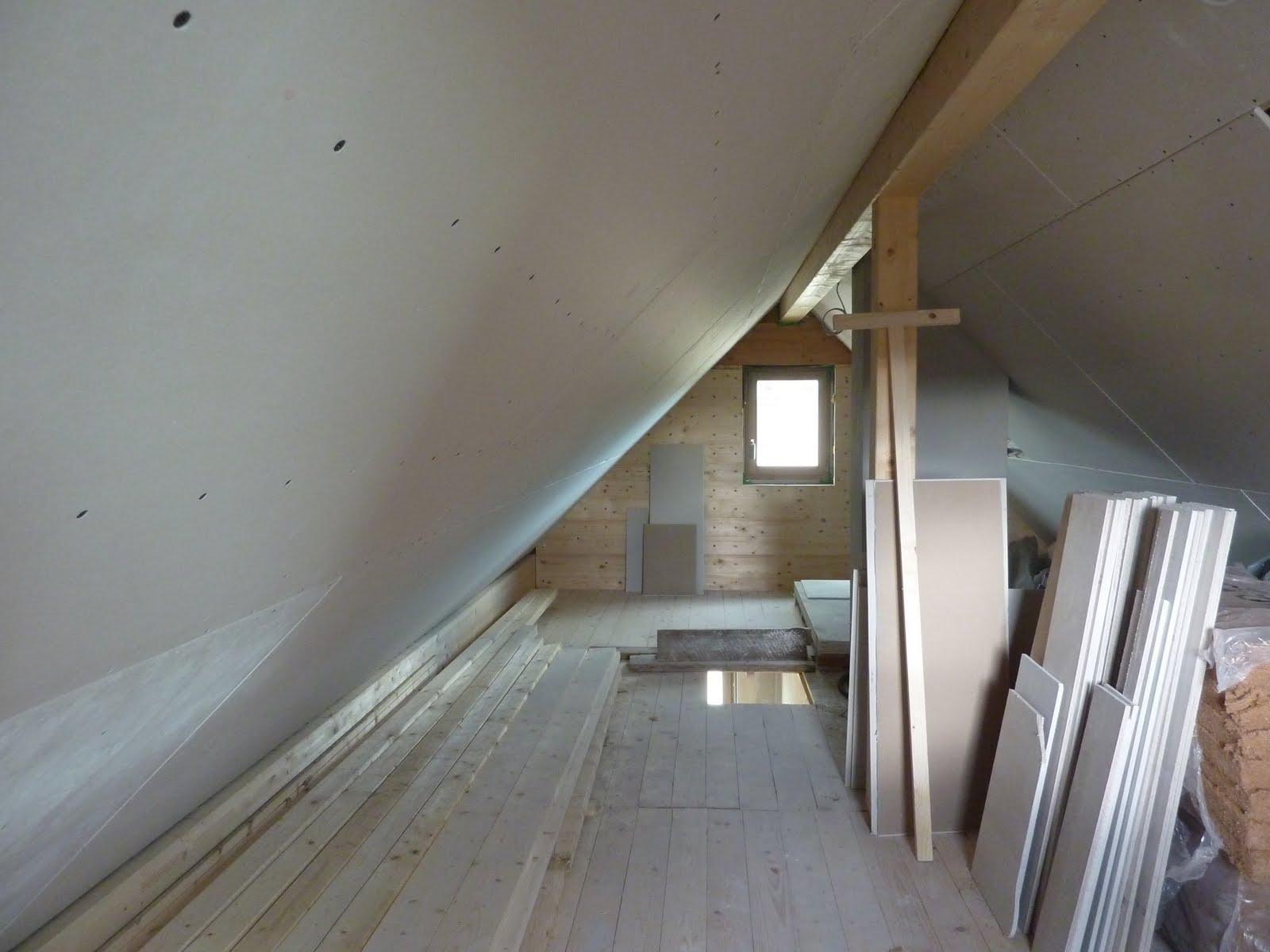 hausbau mit murr holzhaus neuburg dachboden beplanken. Black Bedroom Furniture Sets. Home Design Ideas