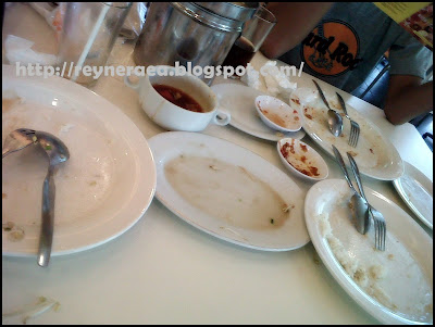 makan siang di D'cost Renon