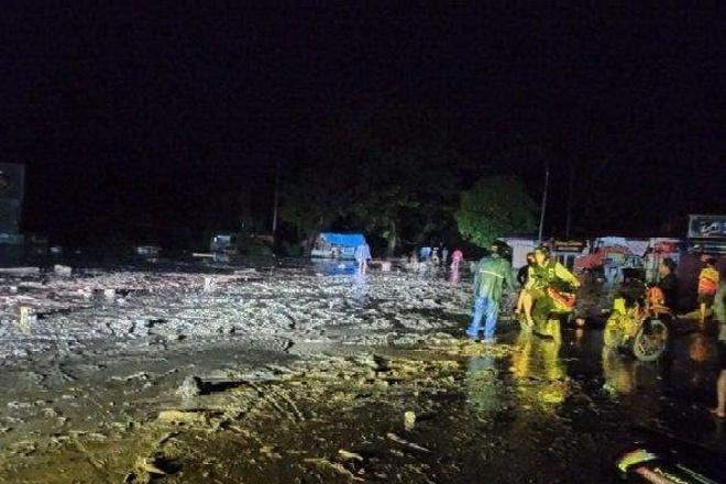Banjir Bandang Terjang Luwu Utara, Akses Jalan Trans Sulawesi Terputus
