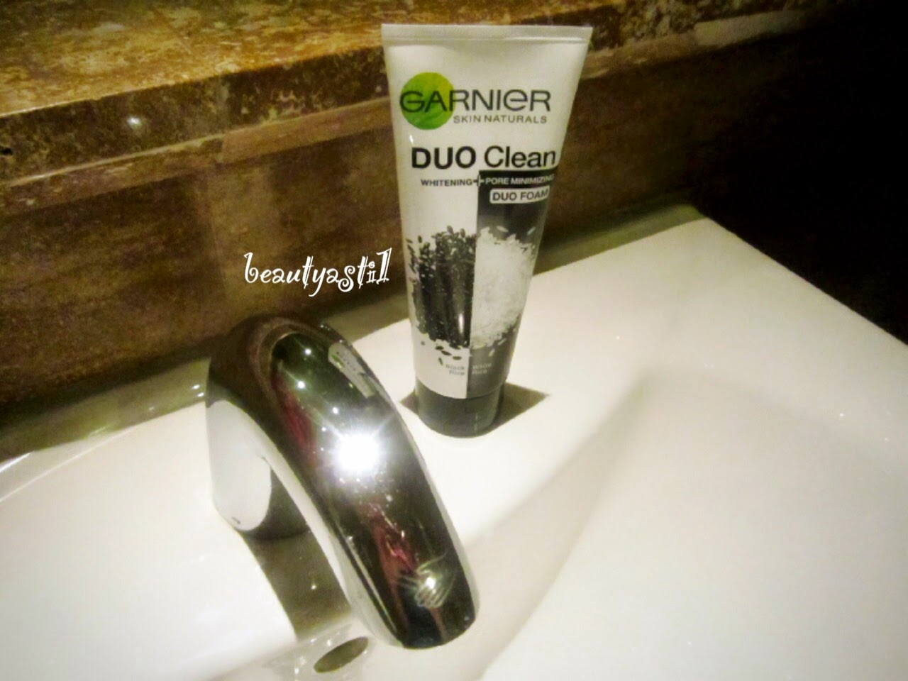 garnier-duo-clean-black-and-white-rice-extract-review.jpg