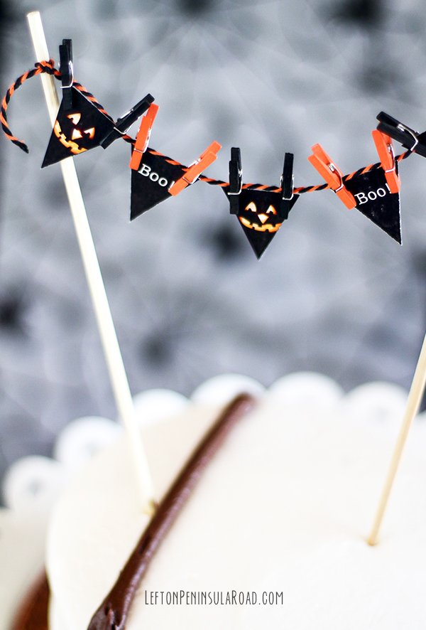 Adorable Halloween mini bunting makes a plain cake something special.