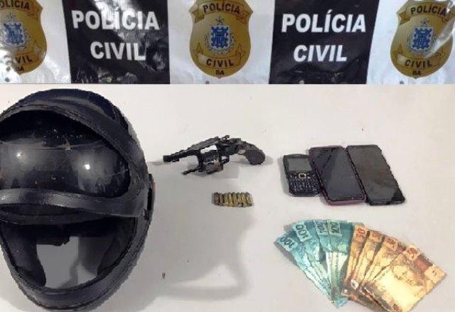 Polícia Civil apreende arma e recupera objetos roubados em Livramento