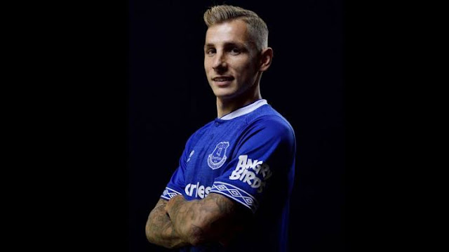 Everton confirm signing of Lucas Digne from Barcelona for £18m