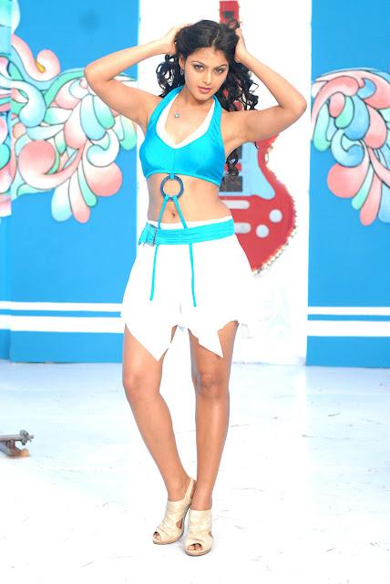 Telugu Actress Monal Gajjar Hot Stils Navel Queens