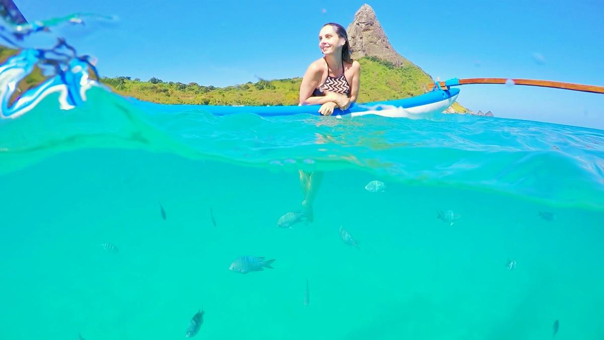 Passeio de Canoa Havaiana Canoe Clube Noronha