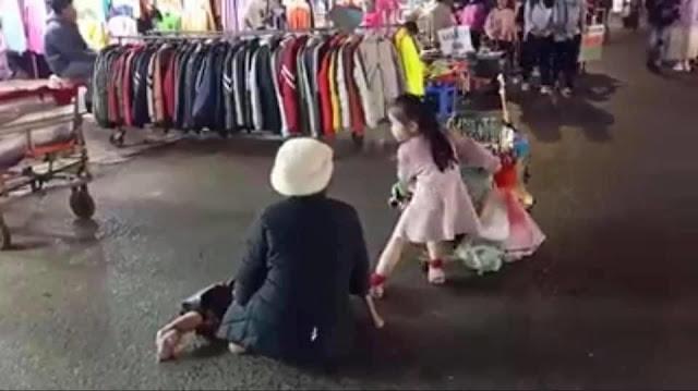 Thiên thần nhỏ cùng bà mưu sinh ở chợ đêm Đà Lạt