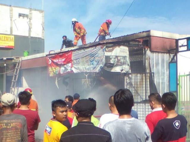 Sebuah Ruko Terbakar Di Kaliabang Bekasi