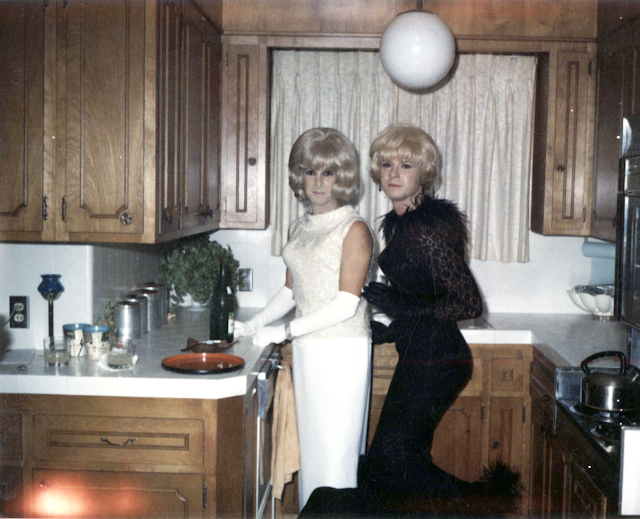 Pretty femulators in the kitchen, circa 1965