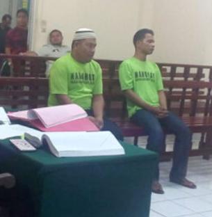 Dua dari empat terdakwa narkoba di Tanjungbalai.