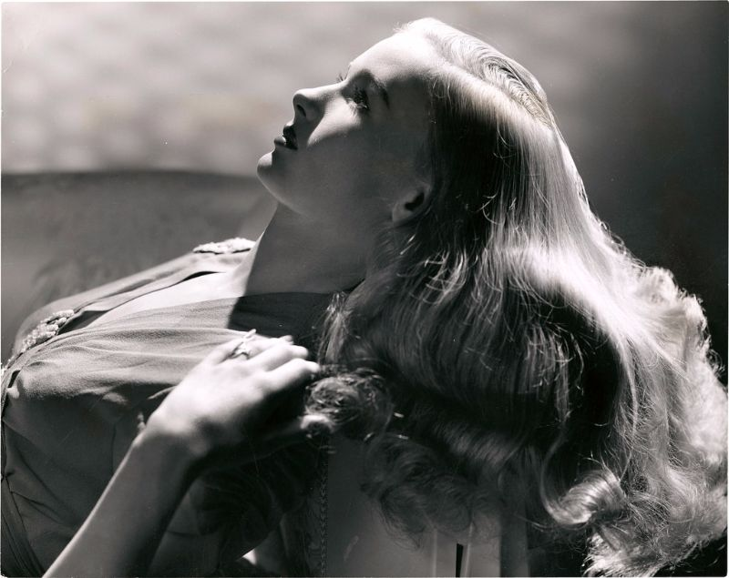 Veronica Lake The Peek A Boo Girl Of The 1940s Vintage News Daily
