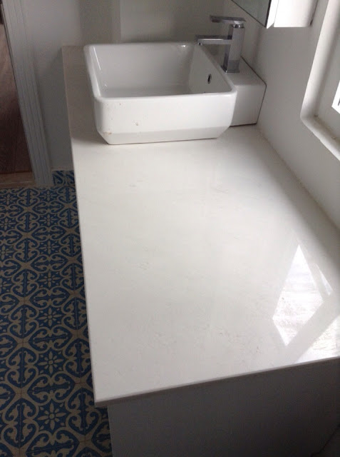 lavabo da trang duong