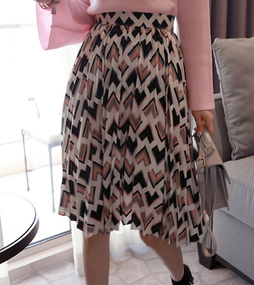 Geometric Print Pleated Midi Skirt