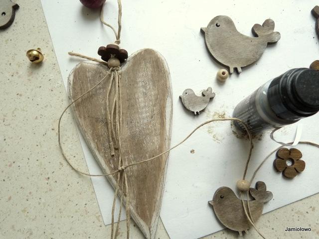 drewniane elementy zostały potuszowane