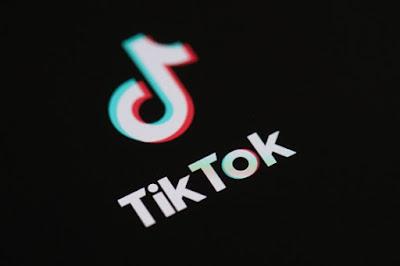 تيك توك TikTok تواصل يعتبر التطبيق الأكثر تنزيلًا وسط الريادة