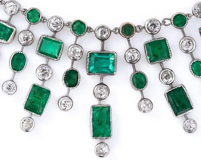 Fringe detail; Art Deco emerald and diamond fringe necklace.