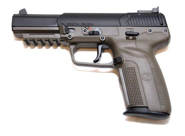sala de armas pistola fn five seven calibre 5 7 x 28mm. Black Bedroom Furniture Sets. Home Design Ideas