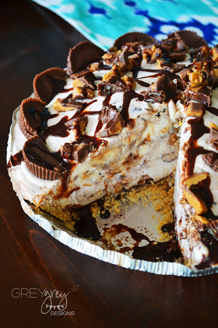 Peanut Butter Chocolate Ice Cream Pie with Blue Bunny® #sohoppingood #bluebunny #bombpop #ad #greygreydesigns #recipe #icecream