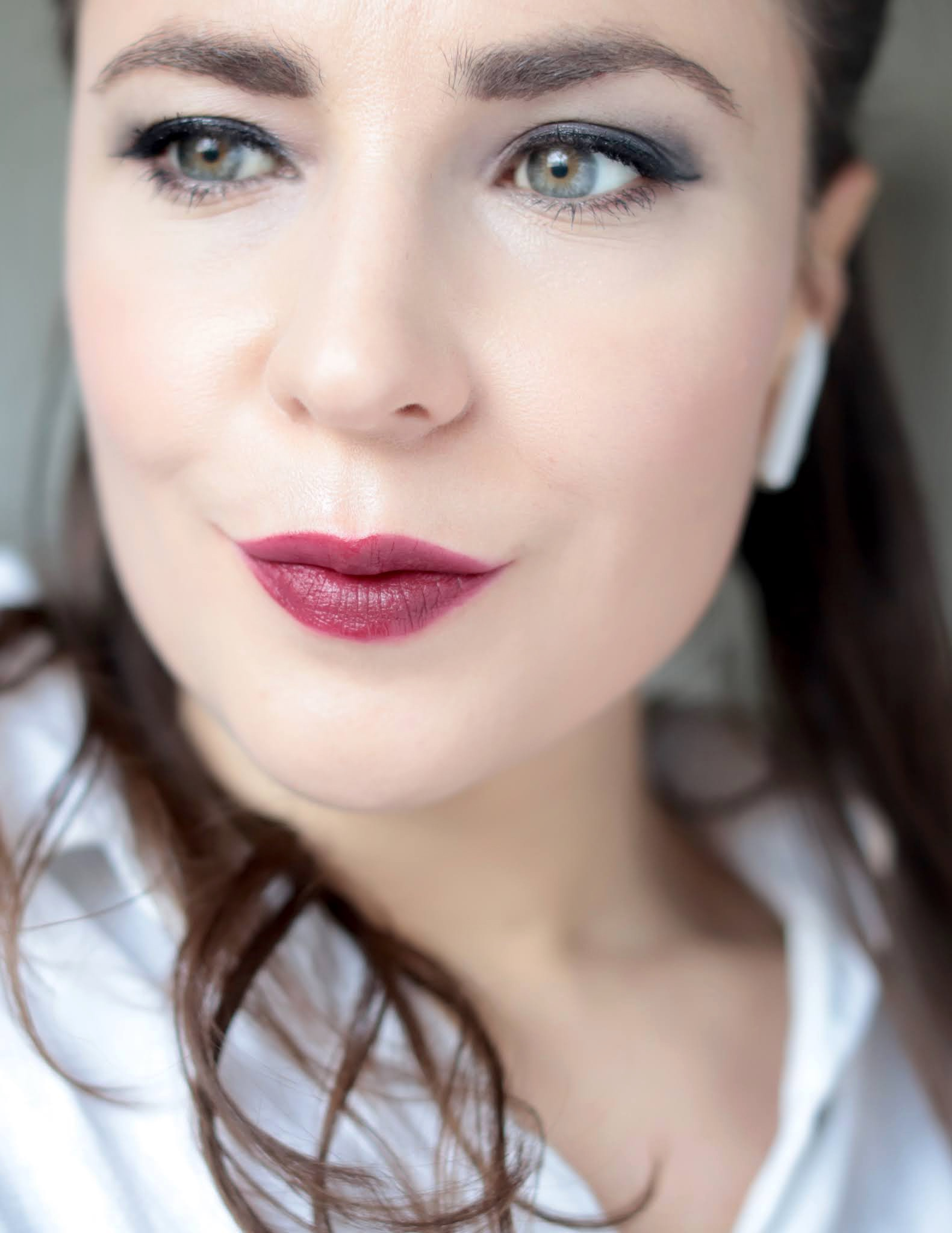 Bobbi Brown Luxe Defining Lipstick Orchid Noir