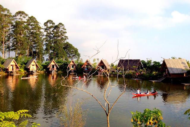 trip ke dusun bambu bandung pake jasa sewa mobil di bandung