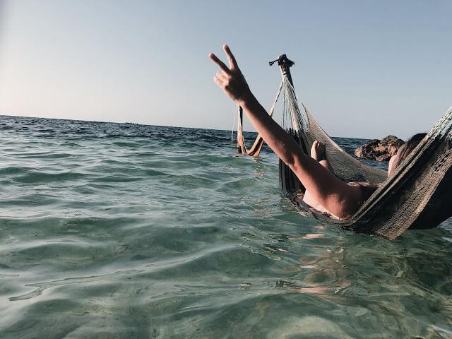 mar abierto en isla roots