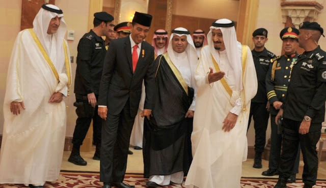Mengapa Raja Salman Tak Mau Pukul Bedug?