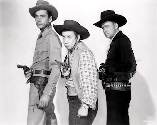 http://1.bp.blogspot.com/-YoCyaaq_xRc/T6pxN9TjhuI/AAAAAAAAECc/85O0CPfnoCI/s1600/06_1943+Marshal+Of+Gunsmoke.jpg