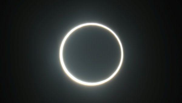 Millones de personas observan último eclipse solar de 2019