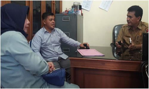 Elfauzi Kasubag Humas DPRD Kota Padang,terima kunjungan DPRD Kuantan Singingi Provinsi Riau