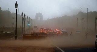 Ινδία: Στους 150 οι νεκροί από τις αμμοθύελλες